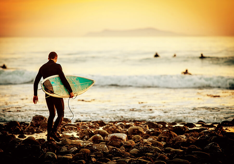 Mind Your Manners: 10 Do's and Don'ts of Surfing